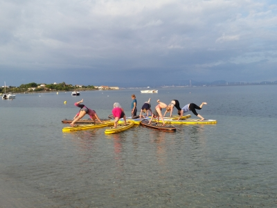SUP, SURF & YOGA with Stand Up Club Berlin